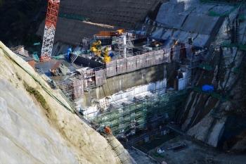建設の進む最上小国川ダム